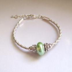 Mellow green shell pearl bracelet, minimal feminine gift
